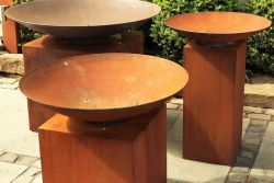 ADEZZ Burni fire bowl + cortensteel pedestal